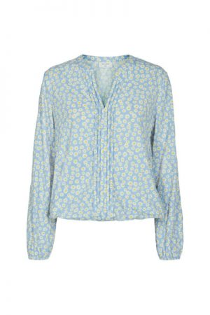 FqSun-Bl-Amari Chambray blue by Freequent floral top with v neck long sleeve with elastic on the cuff and hem bottom baby blue top for jean
