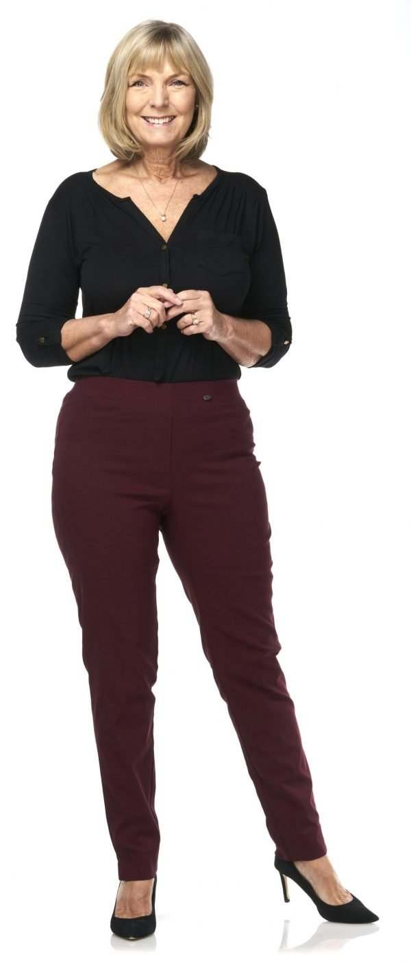 Pinns ankle grazer length pants with elastic waist flattering fit with 2 back pockets stretch wine